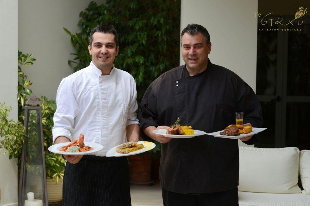 Ο Chef Χρήστος Χρυσικόπουλος και ο Sous Chef Γιάννης Γιαννούκος είναι υπεύθυνοι για τις γεύσεις του Στάχυ Catering Services.